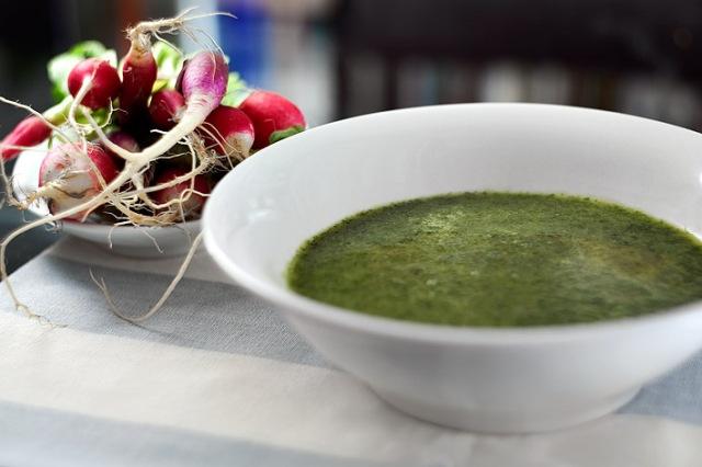 Sopa de hojas de rábano